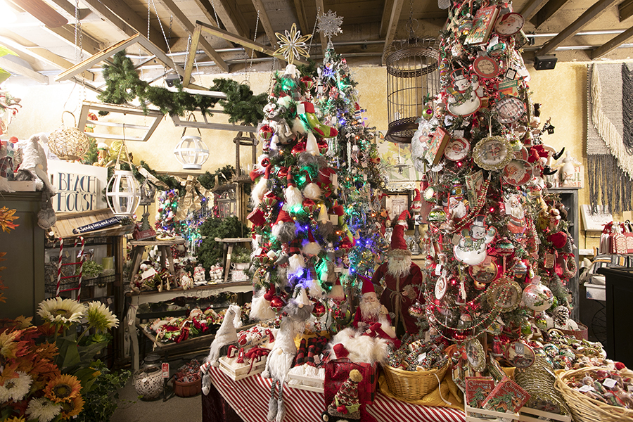 Romancing the Home's Christmas decor