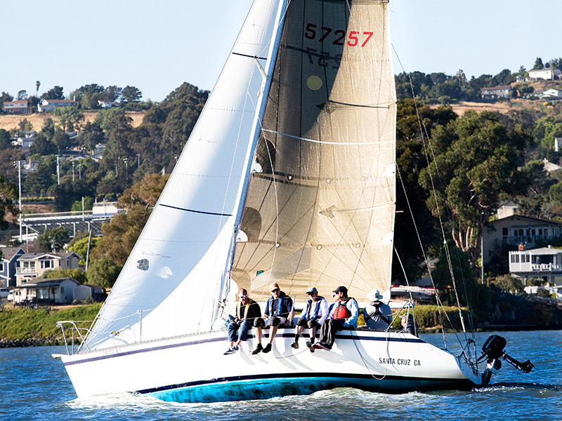 Thursday Night In Benicia: Yacht Club Racing & Farmers Market