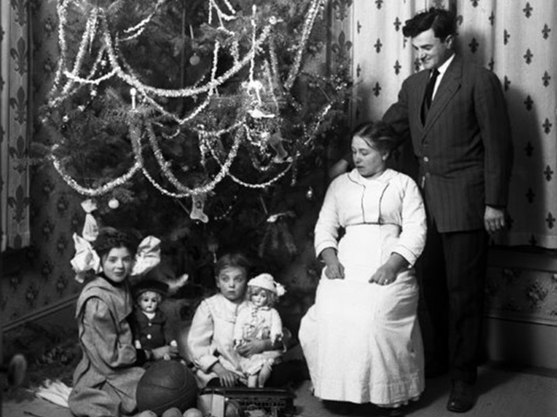 A Victorian Era Benicia Family Christmas