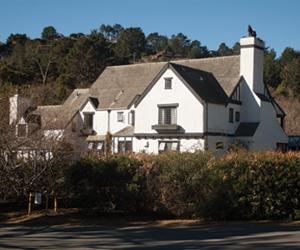 A Romantic Coastal Getaway At The Pelican Inn