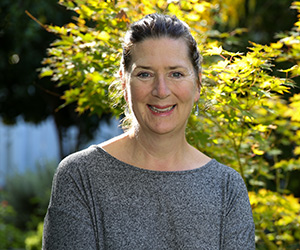 Interview: Kathryn Reiss, Writer, Novelist