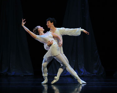 """Smuin Sizzles with """"The Christmas Ballet"""""""