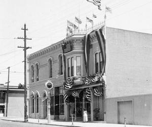 Stumm's Downtown Turn-Of-The-Century Jewelry Store