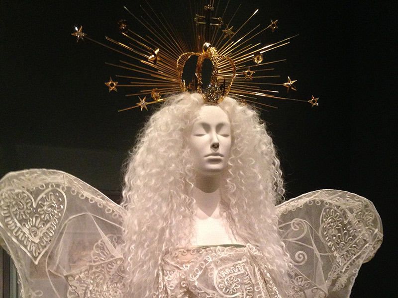 Trends: The Metropolitan Museum Of Art Showcases Heavenly Fashion
